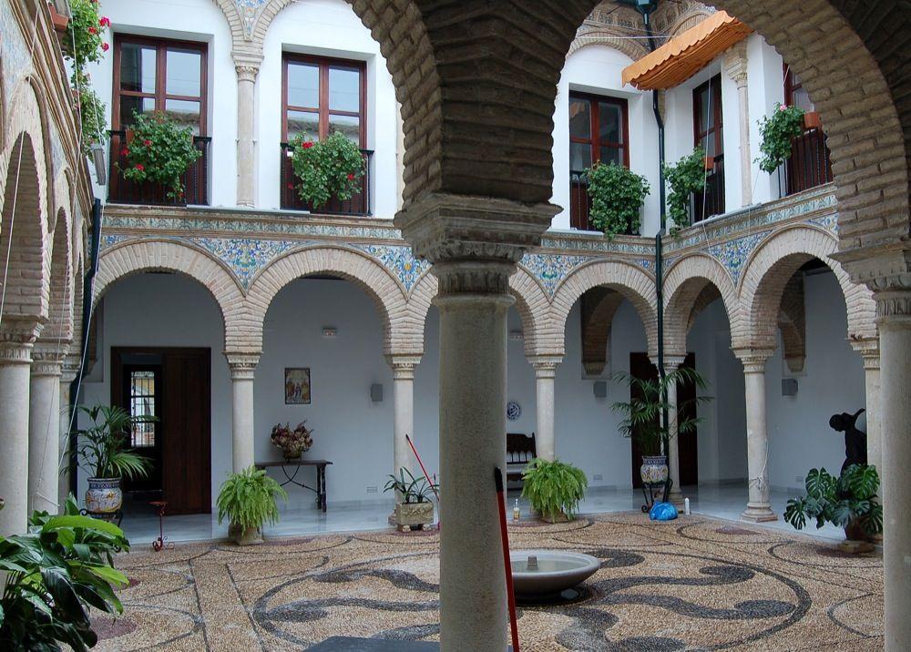 casa de los marqueses de la motilla puerta de los patios